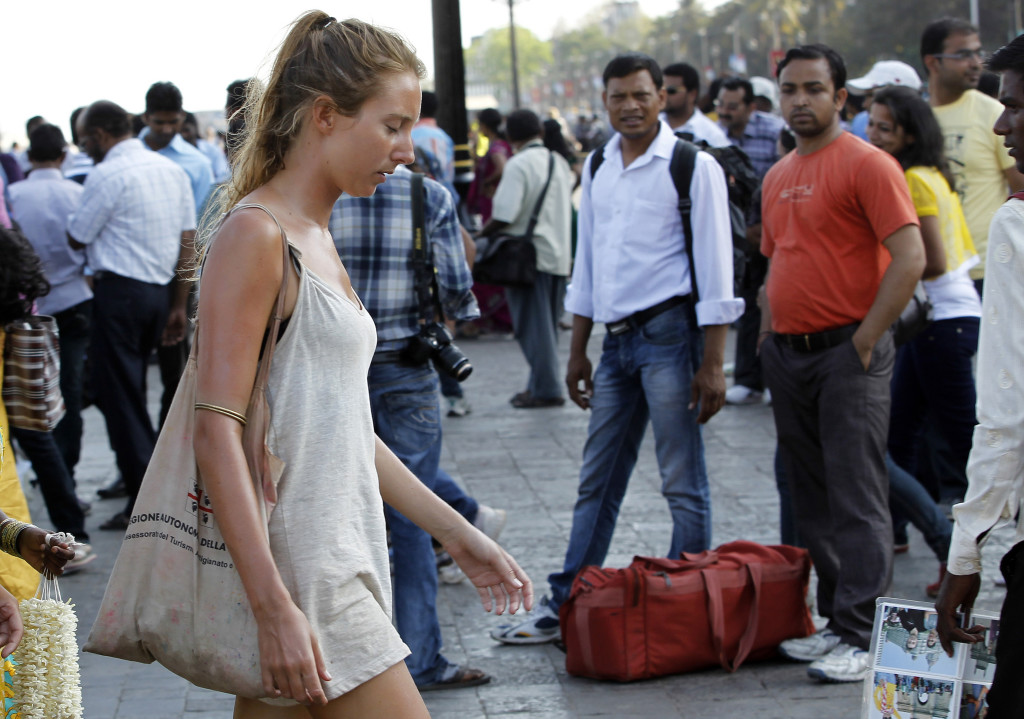 4 Wear Revealing Clothing India Tourists