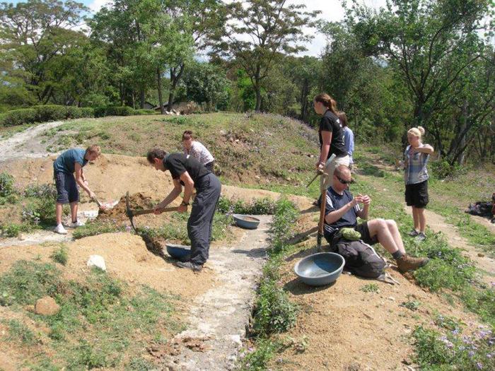 community-work-by-Volunteers-in-India