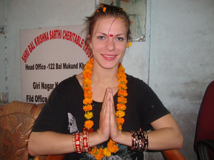 welcome-of-volunteer-in-India