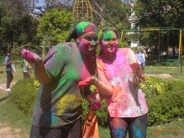 Celebrate-festival-with-volunteering-India