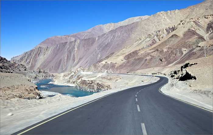 India. Ladakh. The road NH 1D from Srinagar