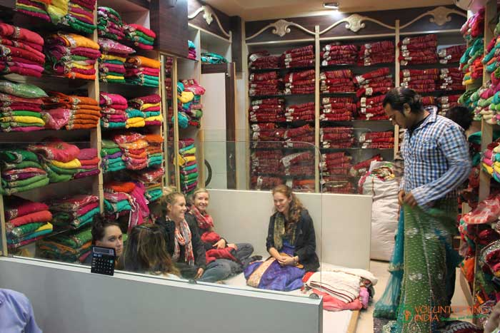 shopping-in-India-while-volunteering