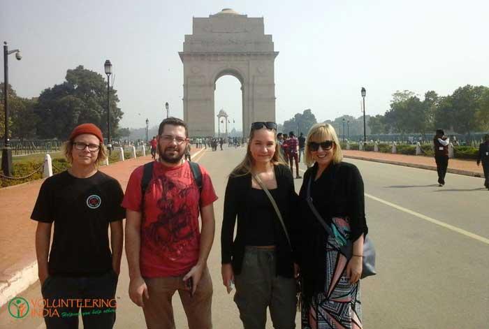 volunteers-exploring-the-history-while-volunteering-in-India