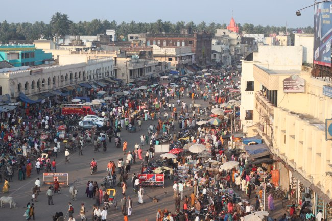 india_busy-street