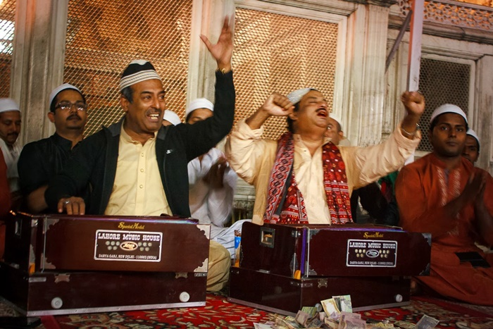 Listen to qawwali at Hazrat Nizamuddin