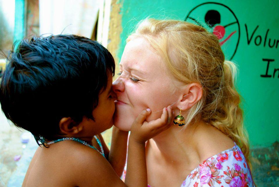 Street children volunteer work in India-Delhi