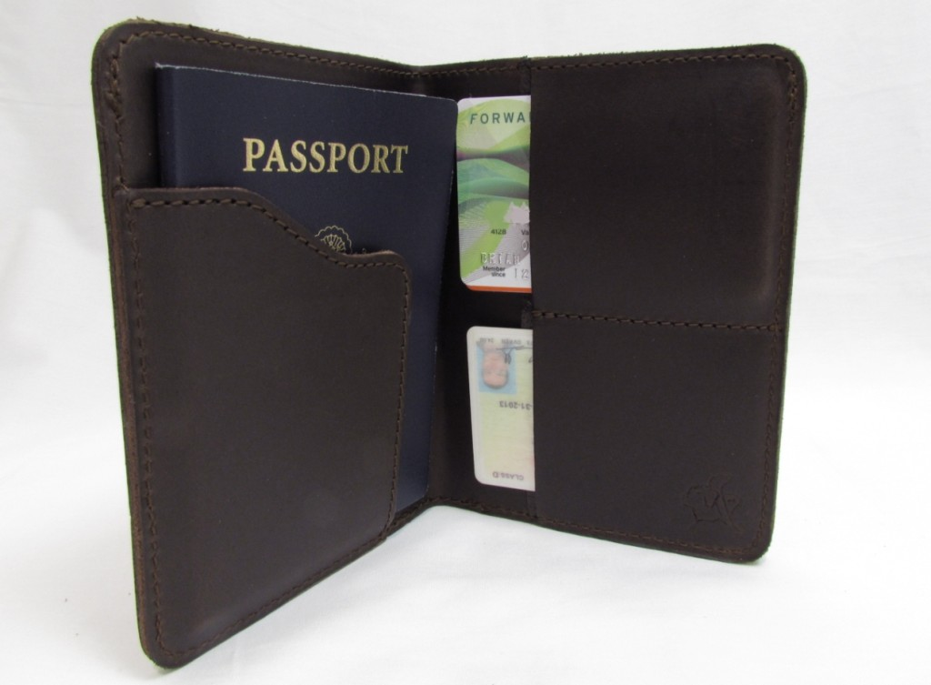 saddleback-leather-passport-holder-rfid-blocking-inside