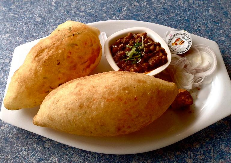 choley-bhaturey