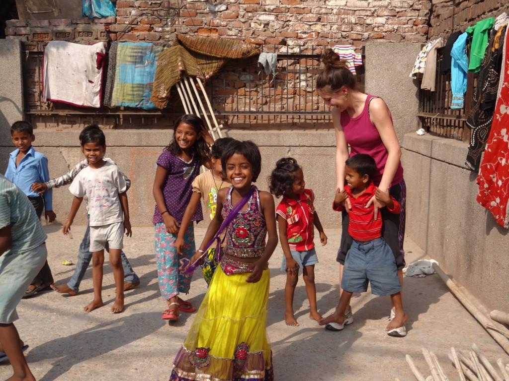 Volunteering India street children program