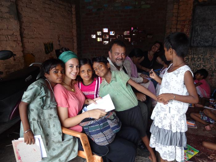 Family-Voluneering-in-India
