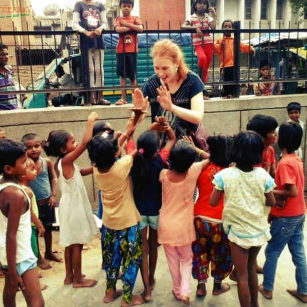 street children volunteer work in India
