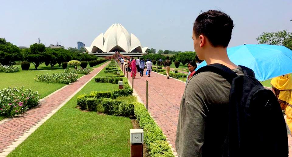 exploring-the-beauty-of-lotus-temple