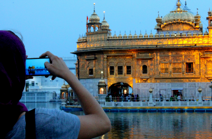Go for a weekend trip to Amritsar and pray at the Golden Temple